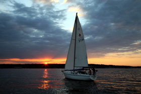 image of sailboat in Narragansett Bay